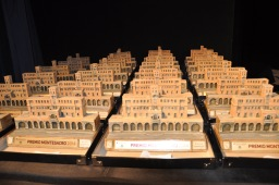 i trofei in attesa di essere consegnati