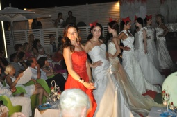 Paola Cipriani con le sue modelle