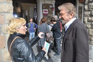 Gigi Proietti con Luciana Miocchi sul set di piazza Sempione (foto Alessandro Pino)